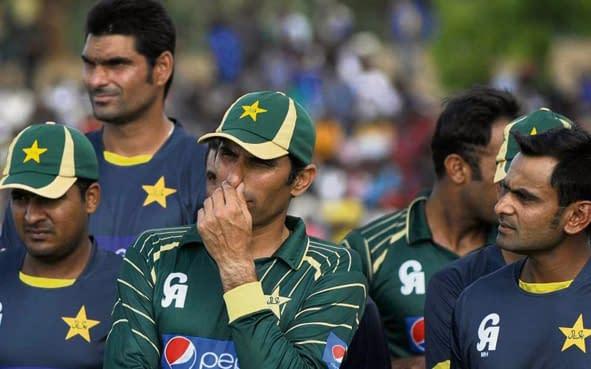 Pak cricketers barred from using social media websites