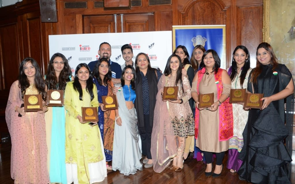 Hci Hosts Young Indian Designers Showcasing Indian Fashion Legacy At Lfw 2018