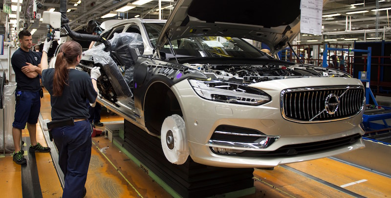 Volvo to stop production of sel, petrol cars...